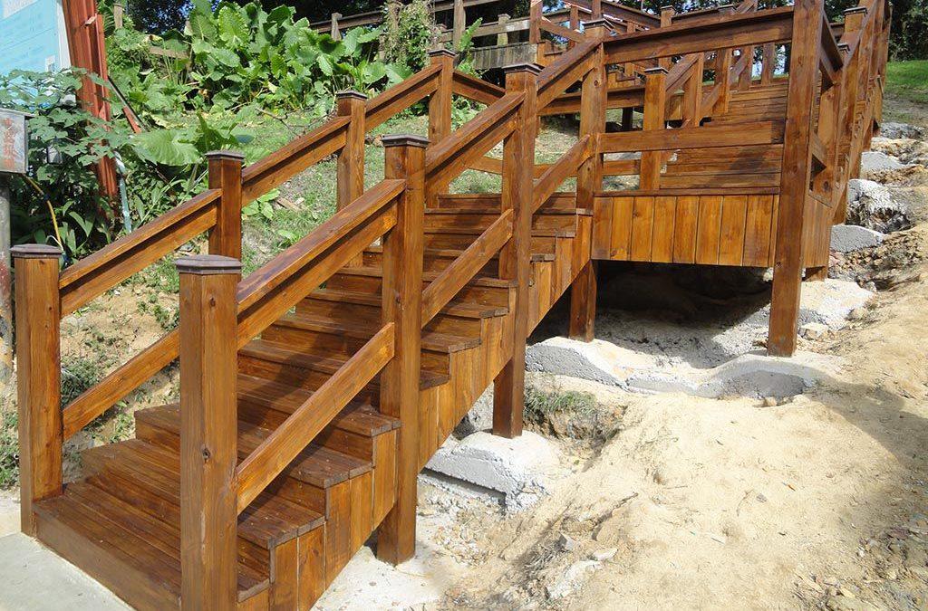 大清水公園入口階梯欄杆